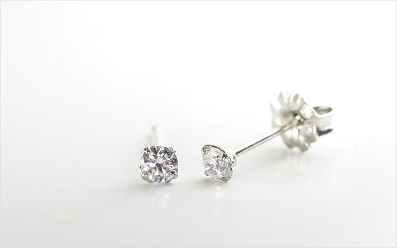 スワロフスキー社製のキュービックジルコニア「ダイアモンド」