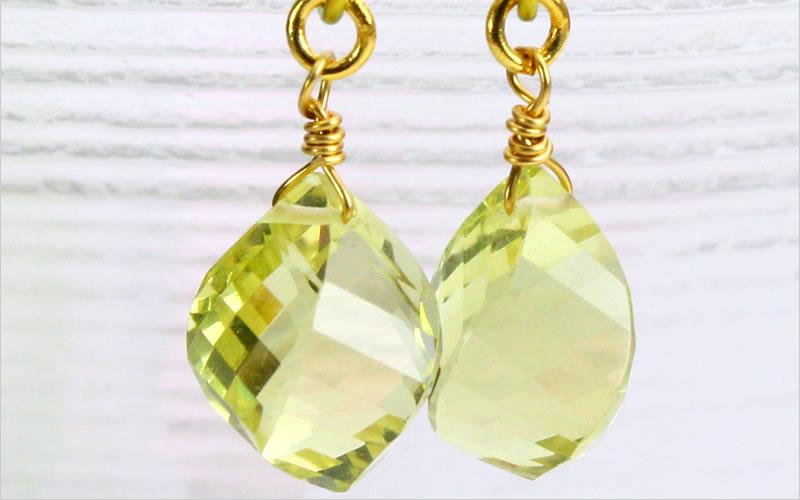 天然石のレモンクオーツ、ツイストデザイン、金属部分は純チタン製